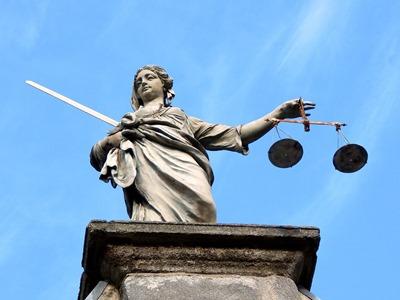 justice-626461_960_720