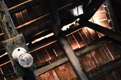 attic-112270_960_720