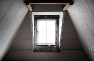 window-691893_960_720